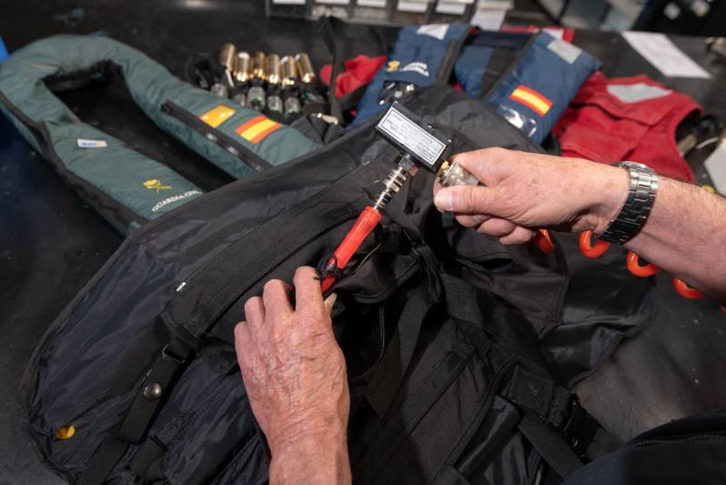 Inspección mantenimiento chalecos